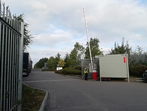 This Barrier is a HD with a 9M pole in open position installed September 2020 At a transport yard for entry/exit.