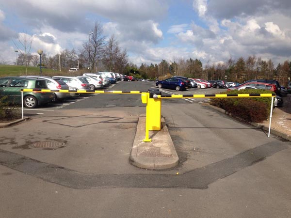 These 5.5M barriers where installed on limited parking at a large company offices. Installed 2015 with Net2.