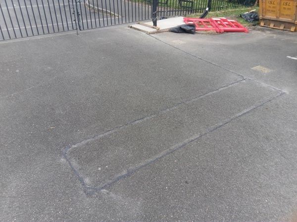 3. We then install a rubberised tri-rated wire into the cut and wired back the control point. Then we seal with bitumen sealant. This loop was installed for free exit on a sliding gate for carpark exit.